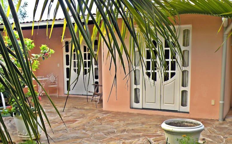 Una casa incantevole sulla spiaggia - Paulista - Bed & Breakfast
