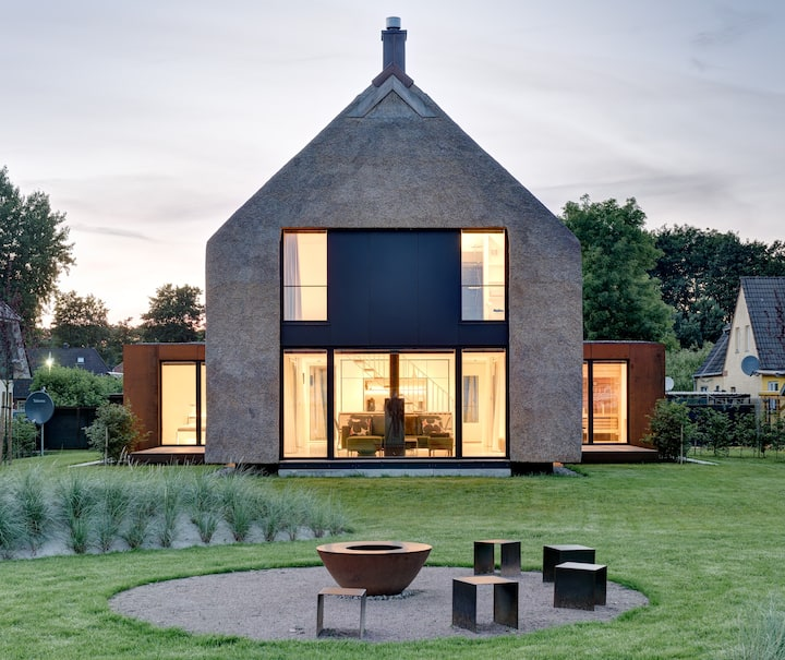 Architektenhaus 5***** mit Kamin, Sauna + Ausblick
