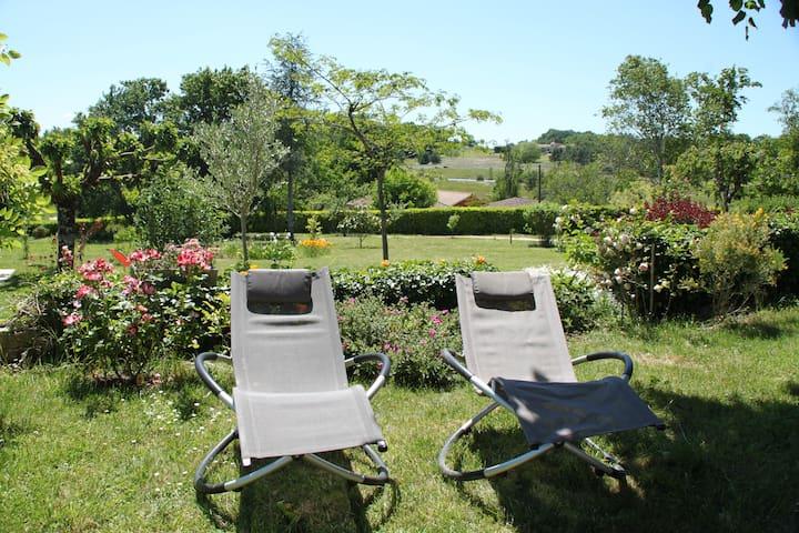 Chambre d'hôtes  ,8  km de Bergerac - Prigonrieux