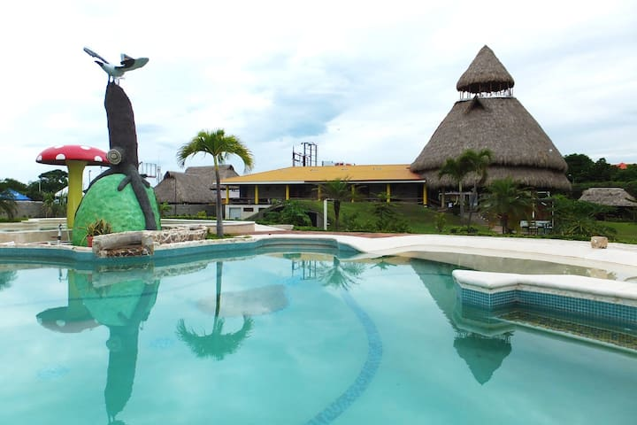 7 Habitaciones Frente del Mar - La Ceiba - Bed & Breakfast