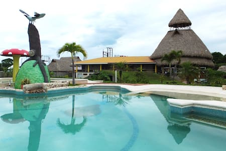 7 Habitaciones Frente del Mar - La Ceiba