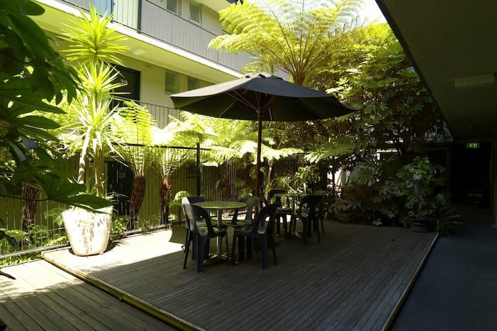 East Melbourne Apartment close to MCG (Dlx#1)