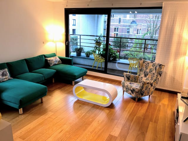 YELLOW LOFT with private bedroom and bathroom