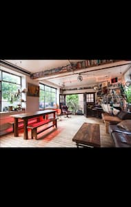 Super cool Shoreditch / Hoxton loft - Lontoo
