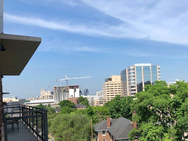 **Skyline Music City Views!!** Enjoy Nashville!!