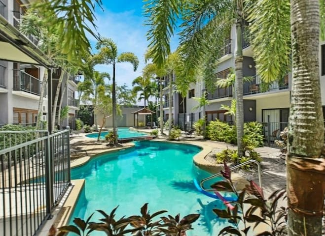 Luxury 1 Bed room Aparthotel in Center of Cairns