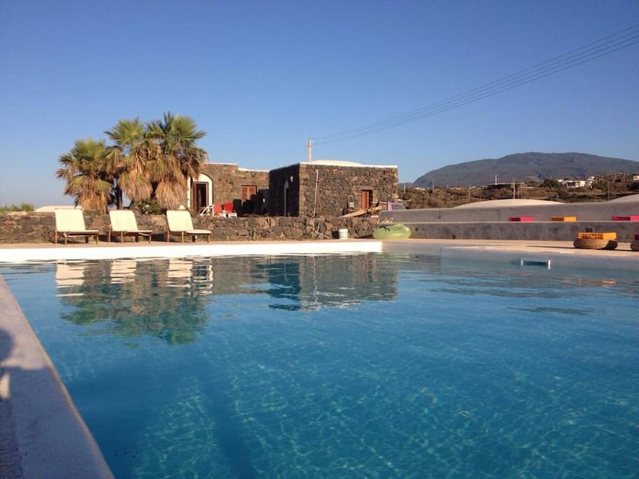 i dammusi di kharuscia villas for rent in pantelleria