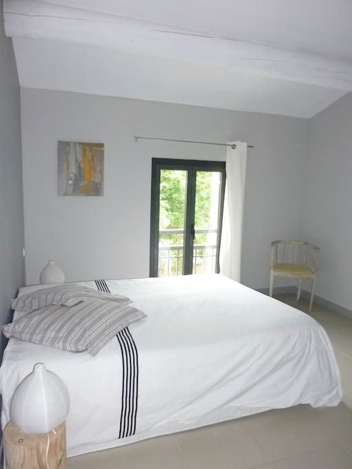 Chambre dans maison contemporaine avec piscine case in - Oasis piscine saint cannat ...