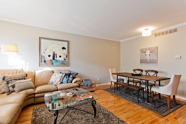 Modern Oakland U Auburn / Rochester Hills Condo 1
