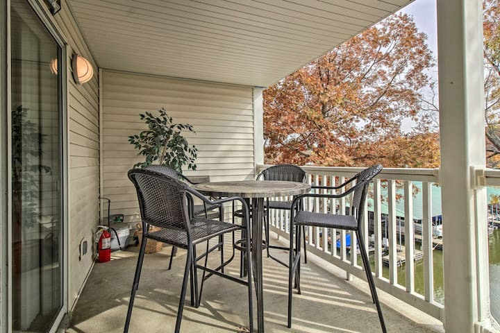NEW! Cozy Condo w/Dock, Pool on Lake of the Ozarks
