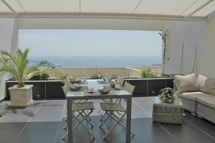 T2 vue mer exceptionnelle, grande terrasse,piscine