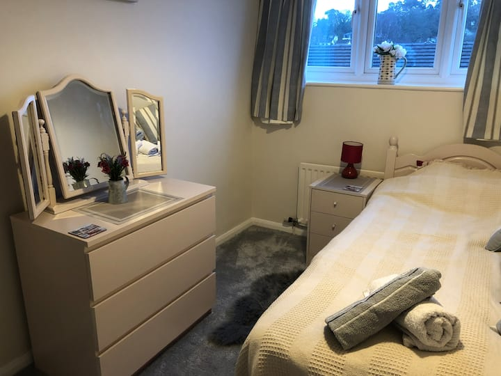 Lower parkstone, single room,  breakfast, WiFi
