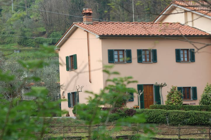 country house in Toscany - Pistoya - Bed & Breakfast