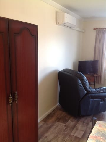 Glens Cosy Private Apartment