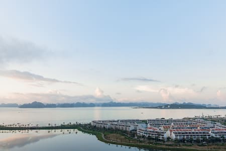 Sea view flat in Halong with on-site swimming pool