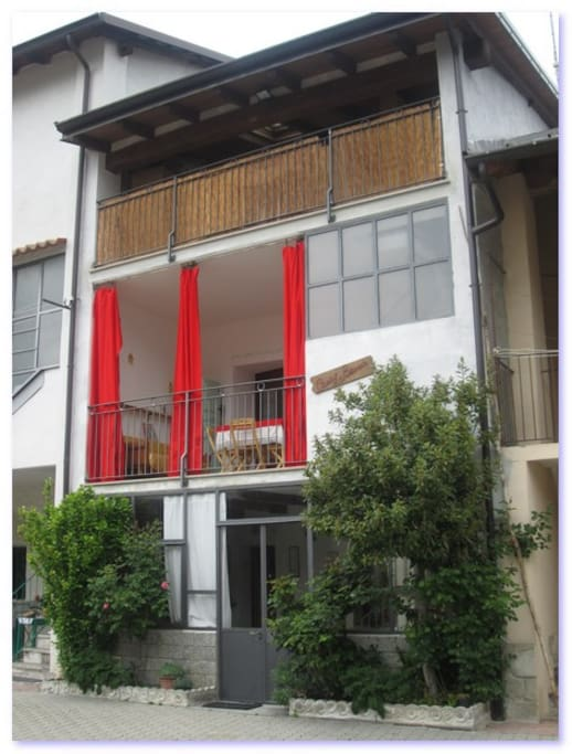 lato esterno della casa