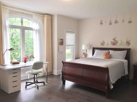 Comfortable En-Suite Bedroom in Pickering