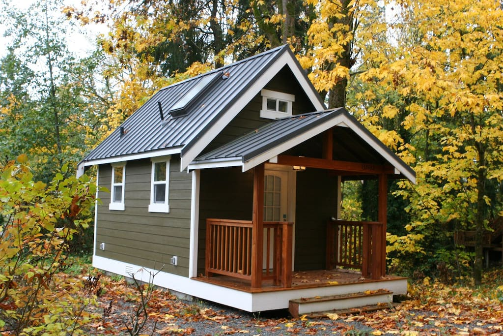 Modern redmond tiny house w loft houses for rent in for Houses in united states