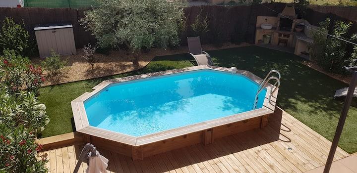 rustrel : maison avec piscine