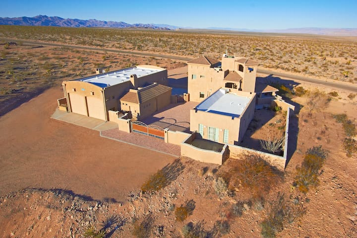 Arizona Resort Home - Near Grand Canyon Skywalk - Meadview - Hus