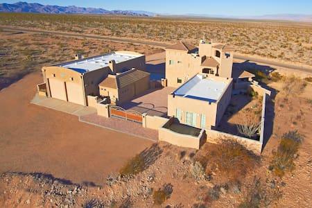 Arizona Resort Home - Near Grand Canyon Skywalk - Meadview