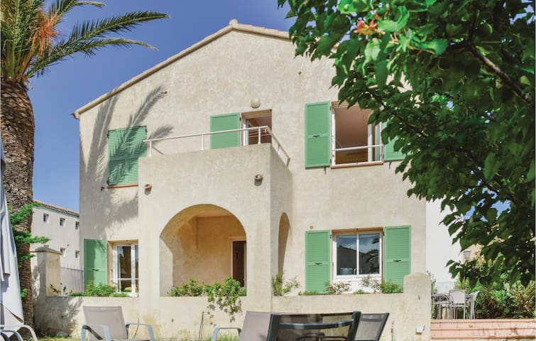 Holiday cottage with 3 bedrooms on 120m² in Algajola