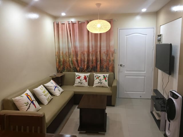 Cozy, fully furnished 2BR condo with WIFI+Cable