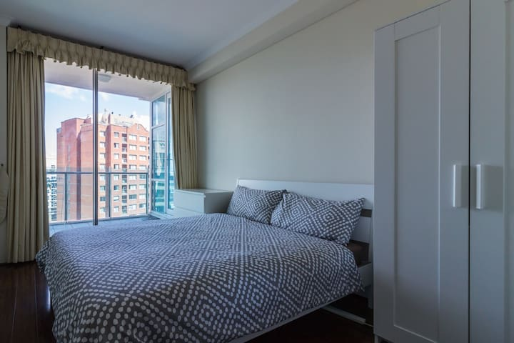One Double Room in Sydney CBD for Short Stay