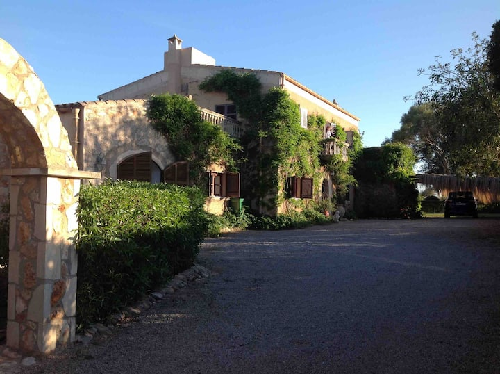 Our lovely old farmhouse in Mallorca by Cala d'Or