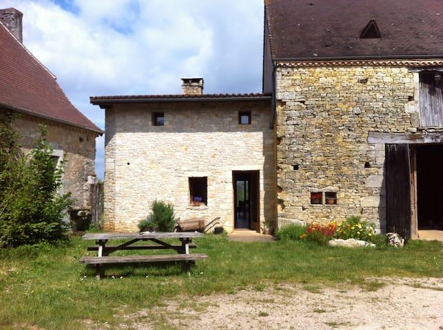Chambre d'hôte à la ferme (B) - Tourtoirac - Bed & Breakfast