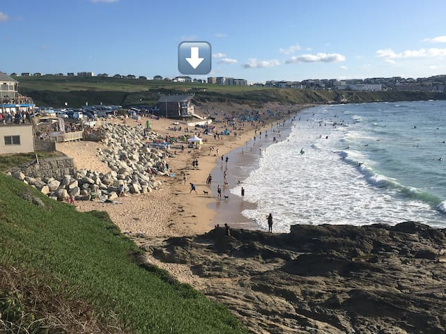 Fistral view beach house-minutes walk to the sea.