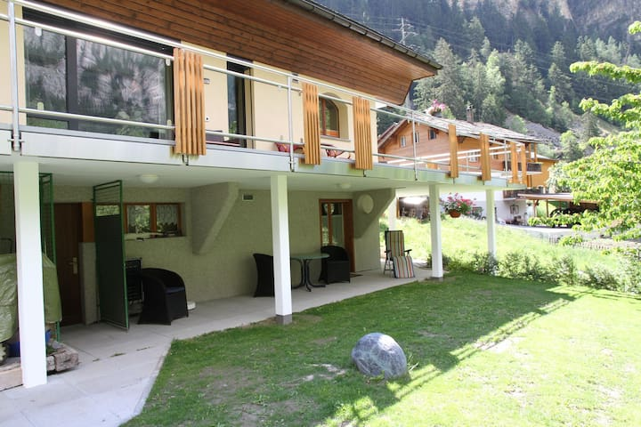 Spacious Apartment in St Niklaus near Mattertal Ski Area