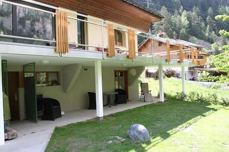 Spacious Apartment in St Niklaus near Mattertal Ski Area