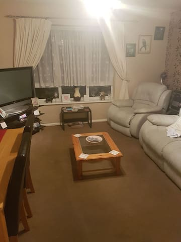 Double room in a tidy and spacious apartment