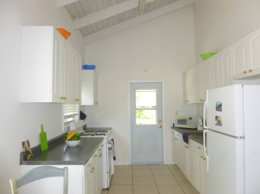 Use of fully equipped kitchen