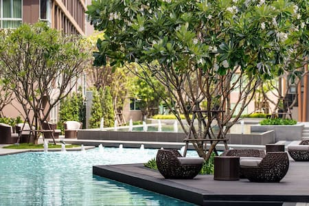 Lux Condo awesome pool and gym - กะทู้