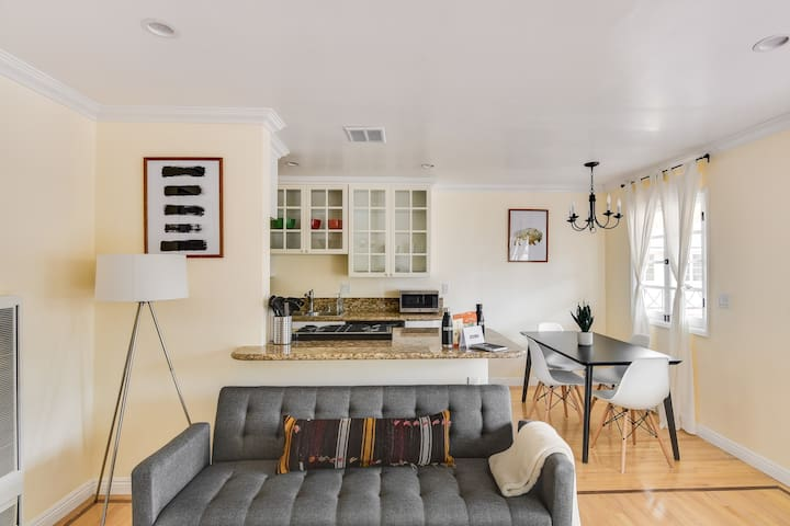 Stylish 1Bed/1Bath at 1212 10th st, Santa Monica