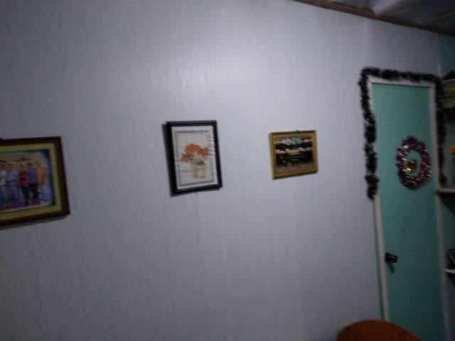 Entire house three bedrooms,w/ kitchen.