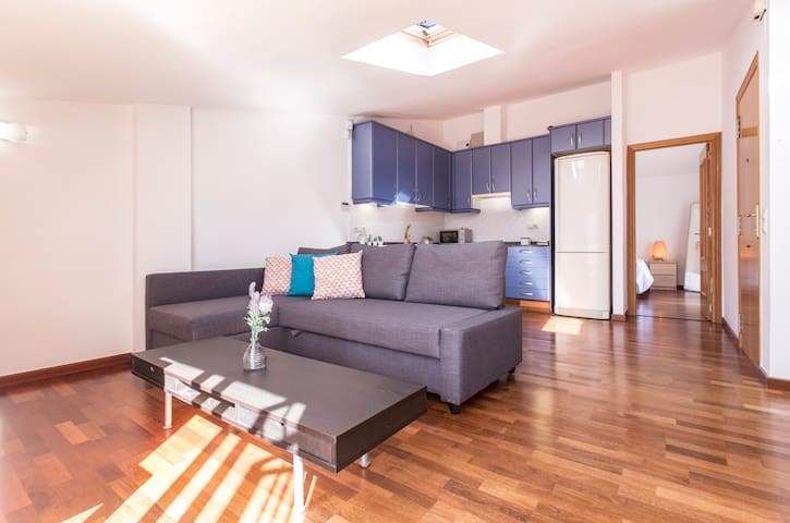 Spacious and bright living and dining area