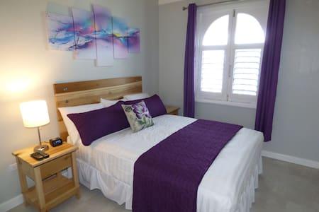 Beach One Bedroom Plus Loft E29 - Ocho Rios