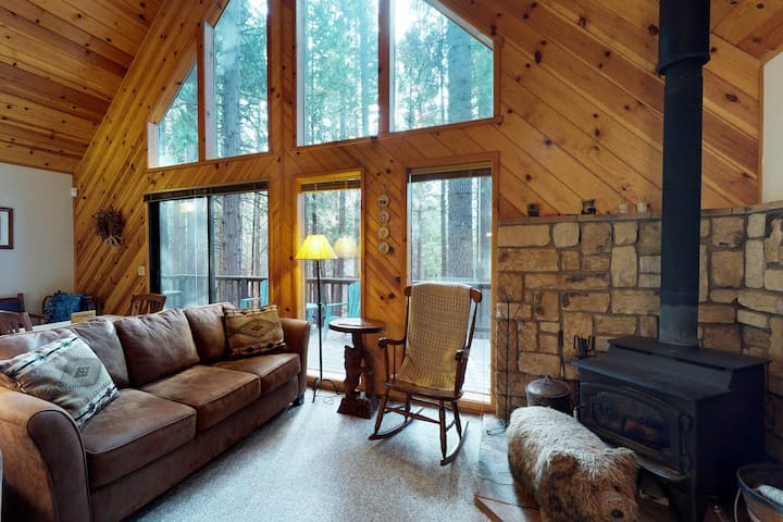Private dog-friendly home with shared pool near skiing, hiking, biking