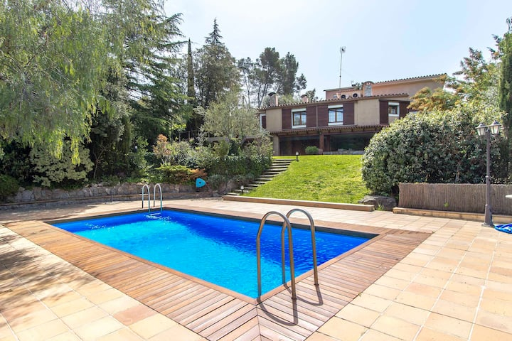 Catalunya Casas: Fabulous country villa in Airesol, only 30 km from Barcelona!
