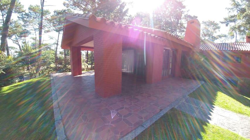 Comodo hospedaje cerca del mar - Punta del Este, Departamento de Maldonado, UY - Casa