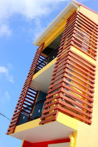 Duplex cosy, au centre de Grand-Bourg