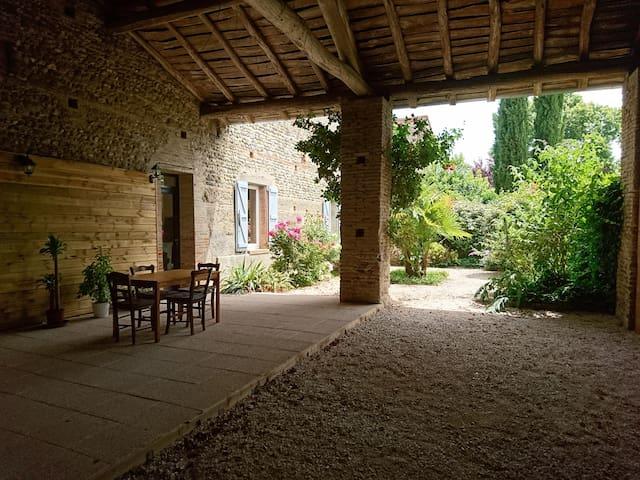 Maison avec jardin clos de charme proche du canal