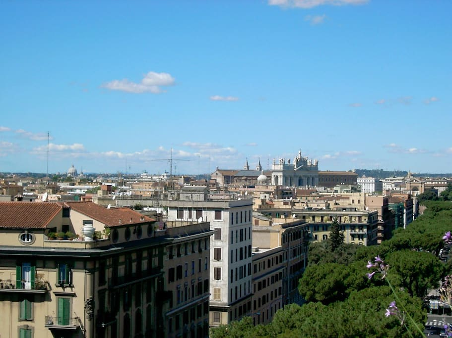 Stay in Rome in our panoramic B&B!