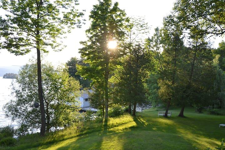 Cottage, Memphremagog lake, Ogden