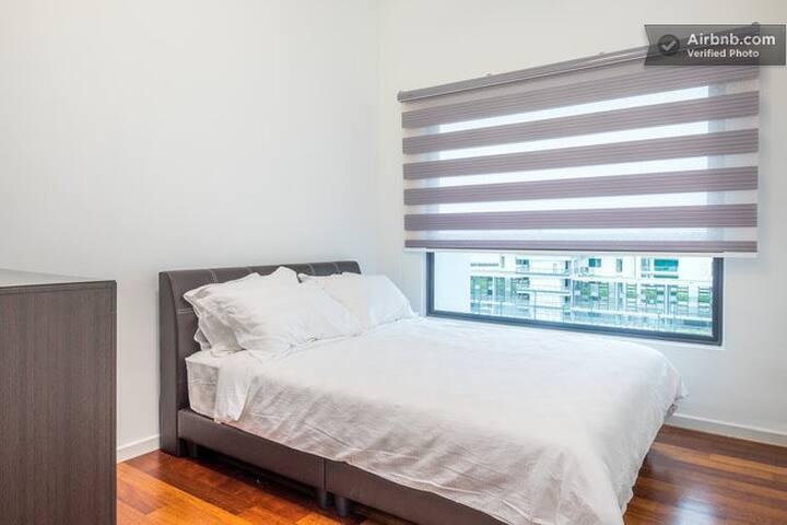 Cozy Queen Room at Luxury Condo - Gelugor - Apartment