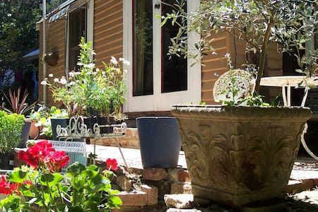 Dijon - Hepburn Springs - Bed & Breakfast