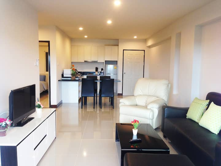 STYLISH  2 BDRM FLAT,CENTRAL HUAHIN